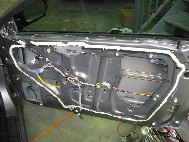 How to install component speakers into a DC5 Integra. & How to install speakers into Integra doors.
